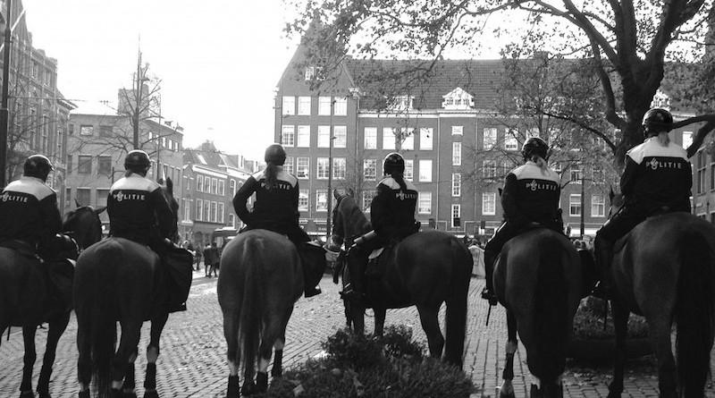 politie te paard cul antropologie nuance vluchtelingendebat
